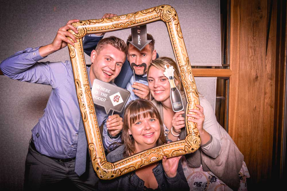 Fotobox_Fotoautomat_Fotoboxhochzeit_Photobooth
